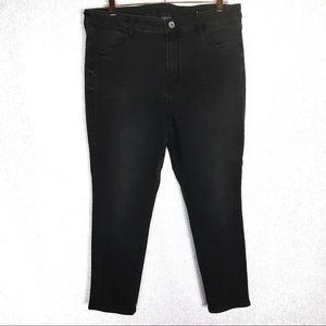 American Eagle Black High Rise Jegging Crop Jeans